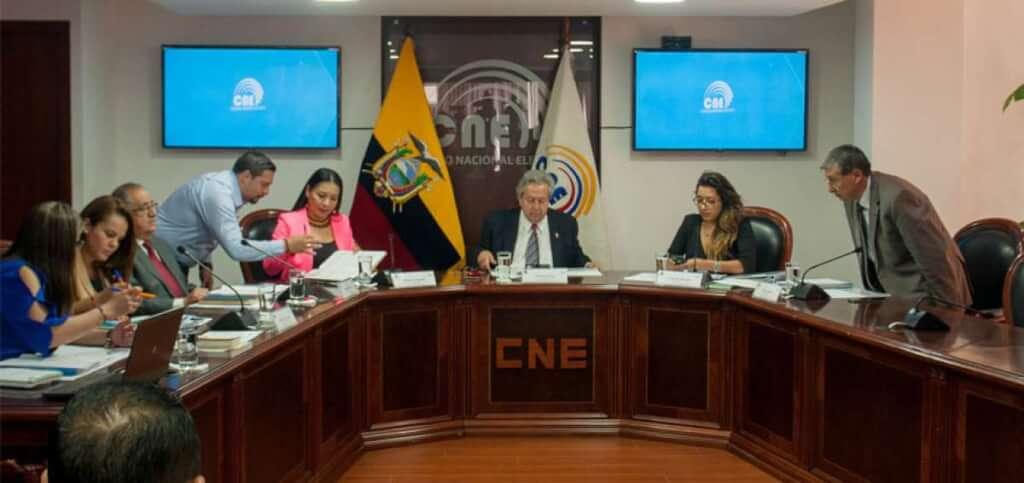 [Ecuador] CNE transitorio prevé reducir hasta US$ 20 millones en presupuesto