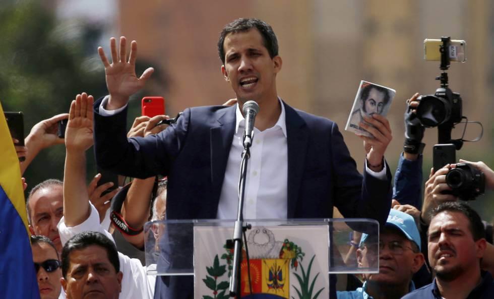 (Venezuela) Juan Guaidó juró como Presidente interino ante una multitud y es reconocido por gran parte de la comunidad internacional