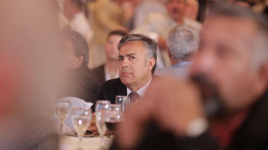 (Argentina) Mendoza, Jujuy y Corrientes resisten la presión de Macri y se inclinan por desdoblar las elecciones