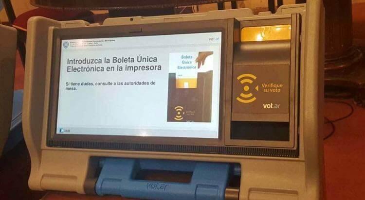 (Argentina) Vidal insiste en aplicar el voto electrónico en las elecciones bonaerenses