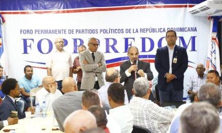 (República Dominicana) La JCE realizó una demostración del funcionamiento del modelo de Voto Automatizado al Foro Permanente de Partidos Políticos