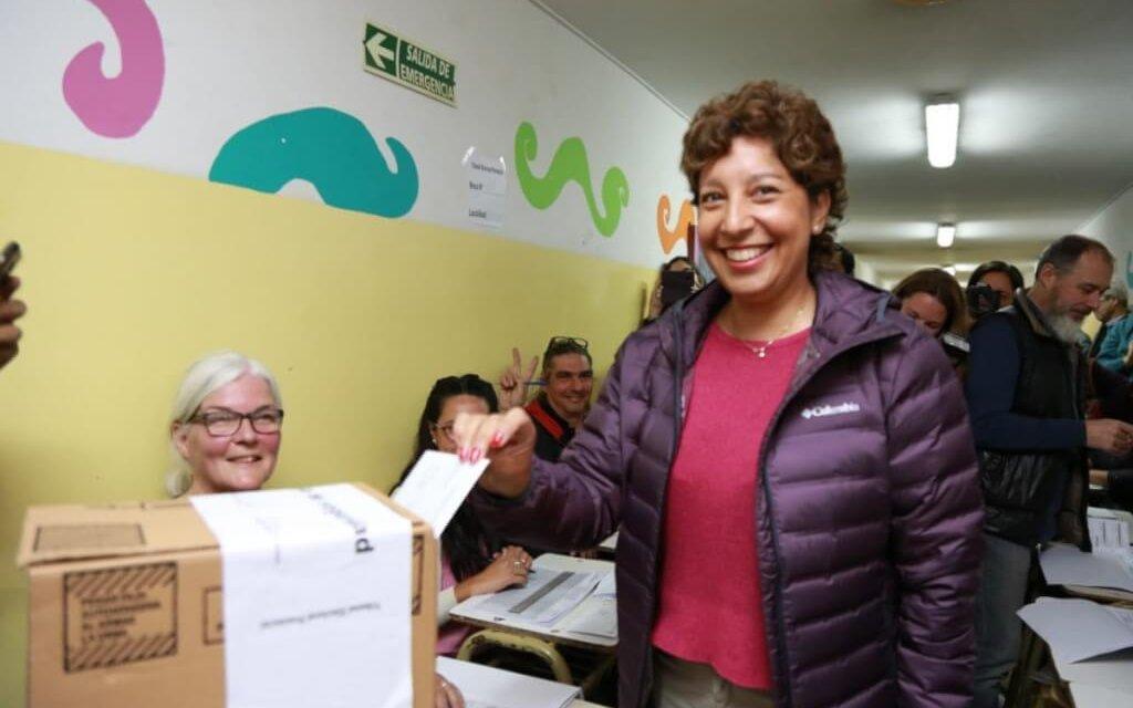 (Argentina) Arabela Carreras, del espacio político del actual gobernador Alberto Weretilneck, gana por amplia ventaja en Río Negro