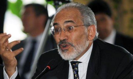 (Bolivia) Mesa dice que impuestos de los bolivianos pagan la campaña del MAS