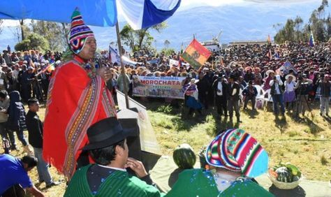 """(Bolivia) TSE halló """"posible vulneración"""" de la ley en el ofrecimiento del presidente Evo Morales de obras a cambio de votos"""