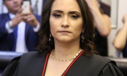 """Entrevista a Kamile Moreira Castro sobre las elecciones congresales de Perú: """"Cualquier elección extraordinaria tiene sus dificultades intrínsecas"""""""