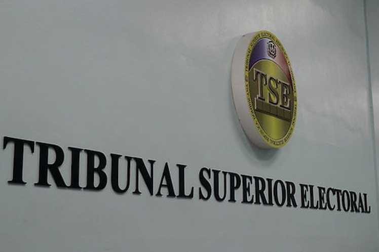 (República Dominicana) El Juez Presidente del Tribunal Superior Electoral (TSE), Román Jáquez Liranzo, recibió este jueves al Jefe de la Misión de Observación Electoral designada por la OEA