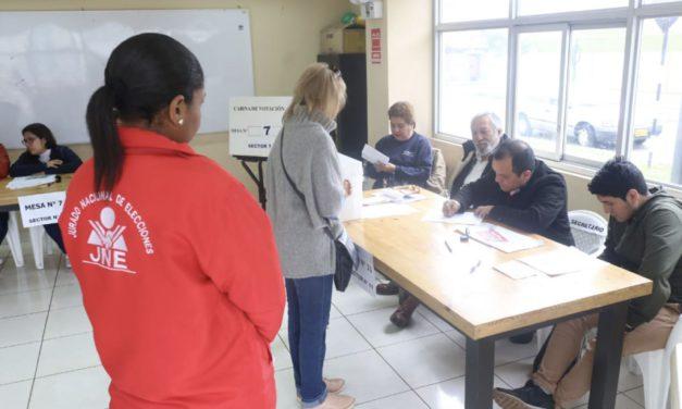 (Perú) Constitución aprueba elecciones internas de candidatos por voto directo o delegados