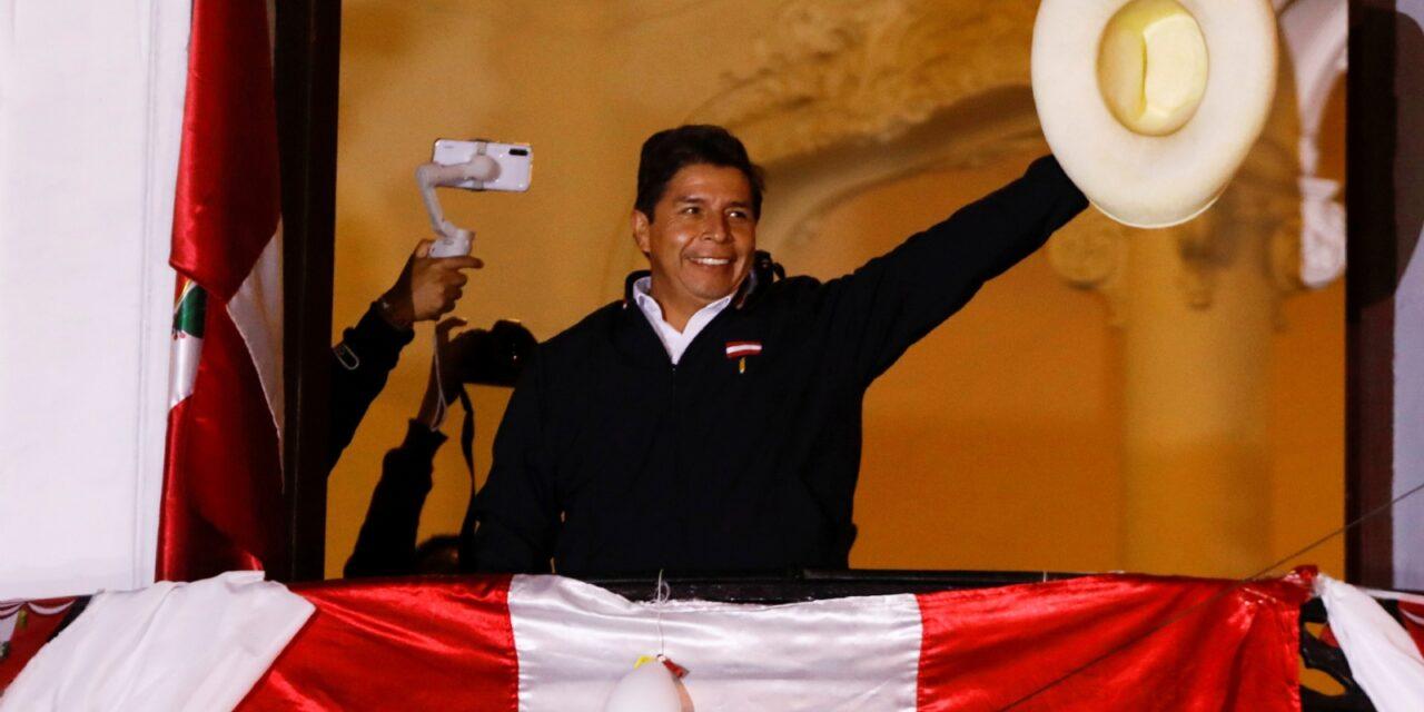 [Perú] Con el 99,998 % de los votos procesados, Pedro Castillo podría ser el nuevo presidente de Perú