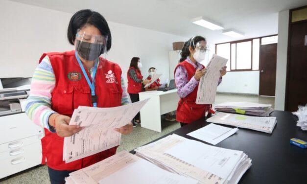 [Perú] La Justicia electoral de Perú resolvió la mayoría de las impugnaciones y continuará el fin de semana
